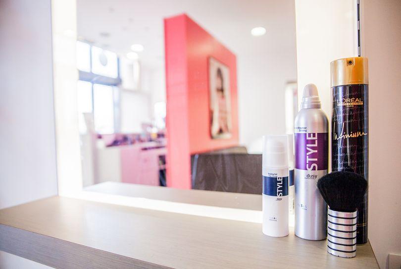 Boek direct bel 39 hair kapper in spy bij for Salon bel hair