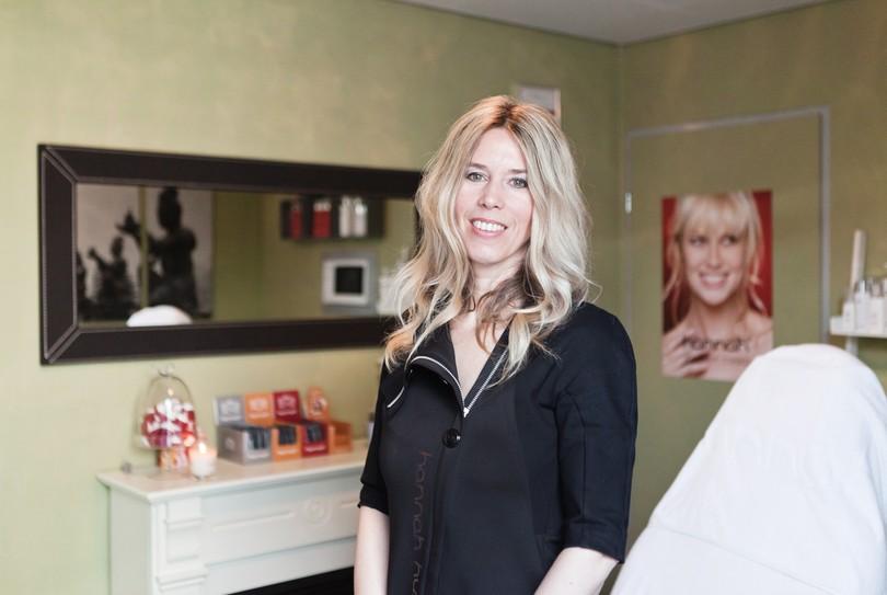 Boek direct sanalysis salon voor huidverbetering gezicht in capelle aan den - Hoe salon te verbeteren ...