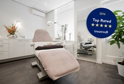 Face Haarlem (Neck and neckline) - Cosmo Beauty Center Haarlem