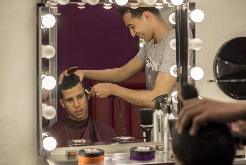 Hairstudio Infinity, Den Bosch - Hairdresser - Kruisstraat 36