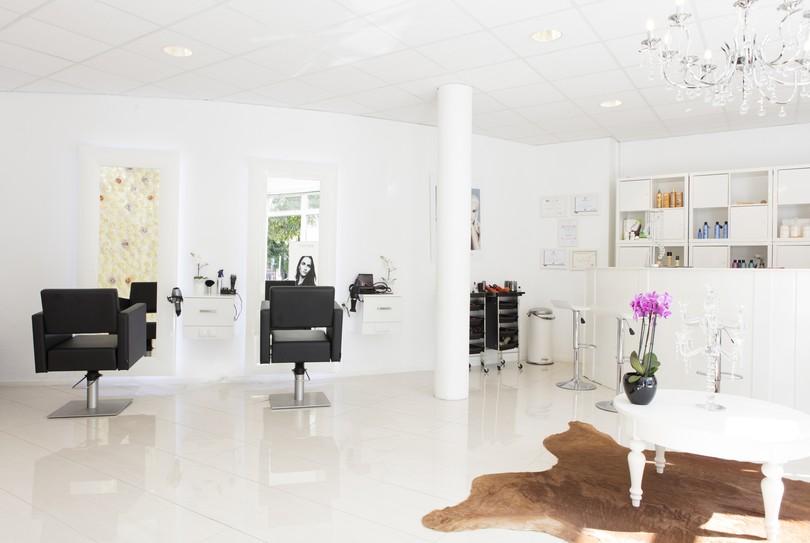 Nisa Beauty Boutique, Arnhem - Hairdresser - Ir. J.P. van Muijlwijkstraat 17