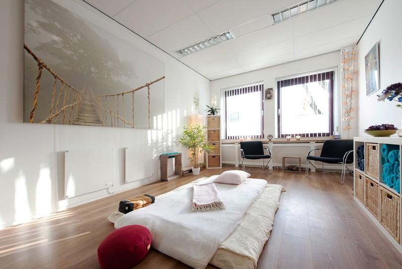 InTouch - Holistische massage, Leiden - Massage - Kanaalpark 157