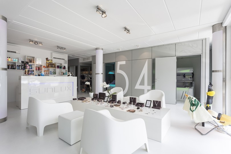 Sunlux studio, Reet - Soin du corps - Antwerpsestraat 79