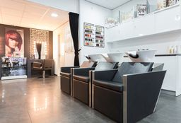 Nails Amsterdam ((Cosmetic) Pedicure) - Hakan Haarmode