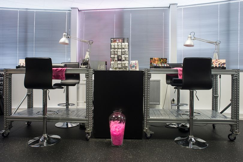 NailsCafe @ Nail World, Marum - Nagels - Transportweg 16
