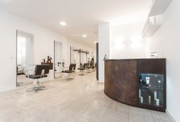 Coiffeur Uccle (Coupe cheveux bouclés) - Hair Center