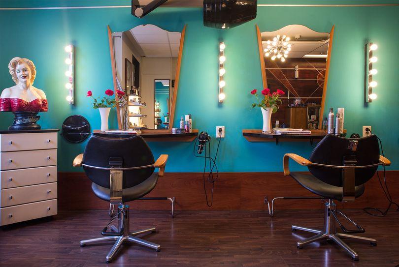 Haarmode Studio 10, Groningen - Hairdresser - Hoornsediep 89A