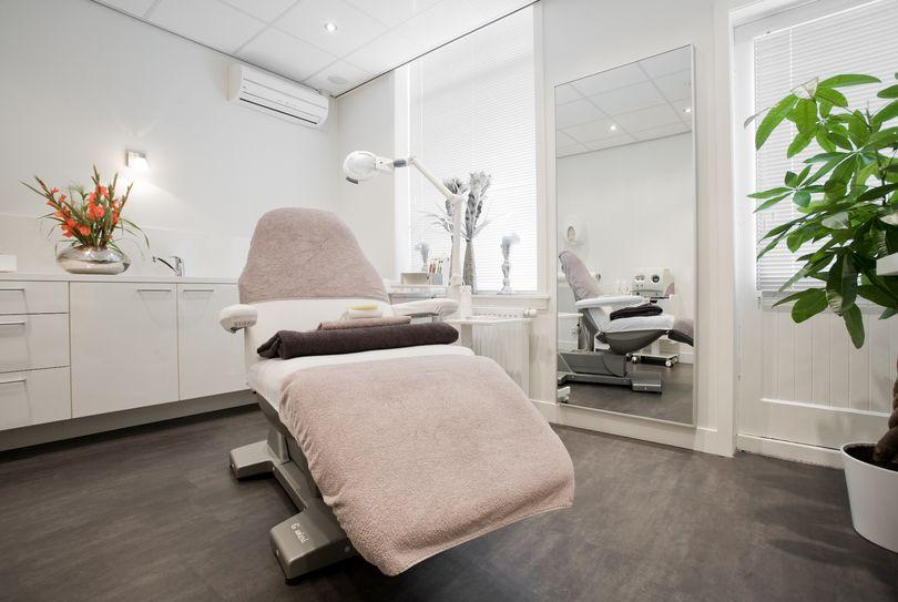 Cosmo Beauty Center Haarlem, Haarlem - Face - Gedempte oude gracht 78