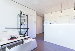 Nails Turnhout (Getting your nails done) - Monica Zentrum Turnhout