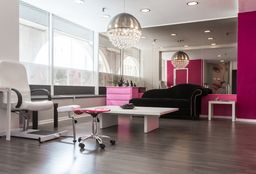 Hairdresser Ixelles (Head/chair massage) - Salimata Diarra @ Mamzelle nails